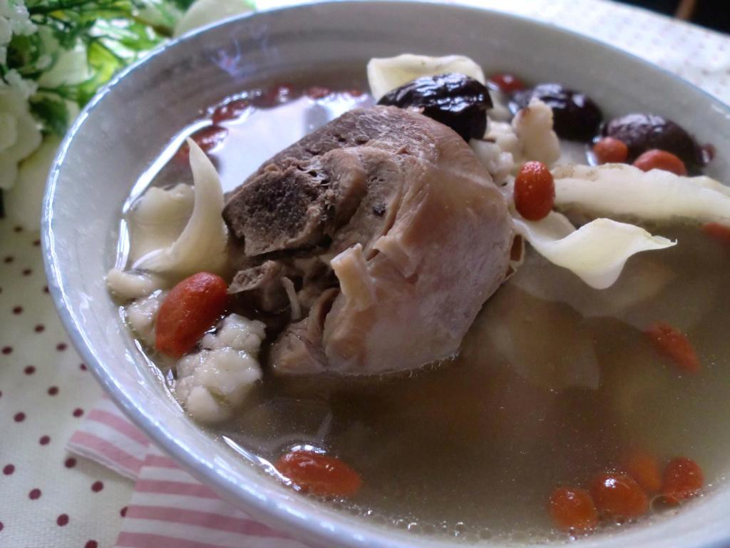《九陽上菜》玉合芡實杞子雞腿湯