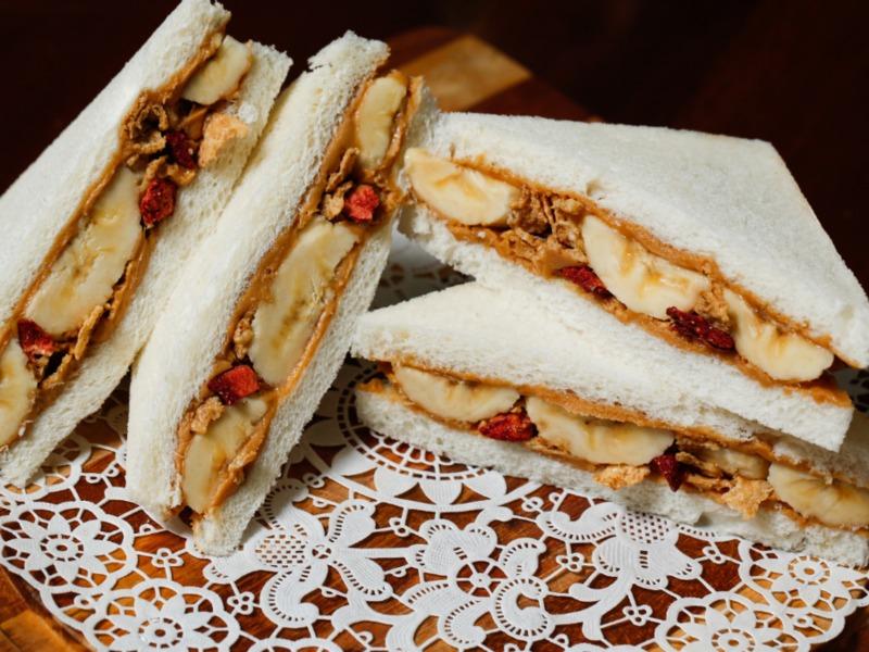 『豪華主餐窈窕輕食』水果總匯三明治
