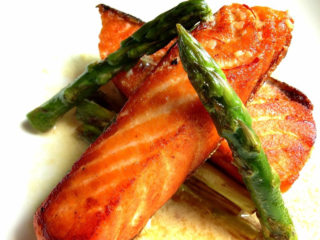 番紅花奶油鮭魚