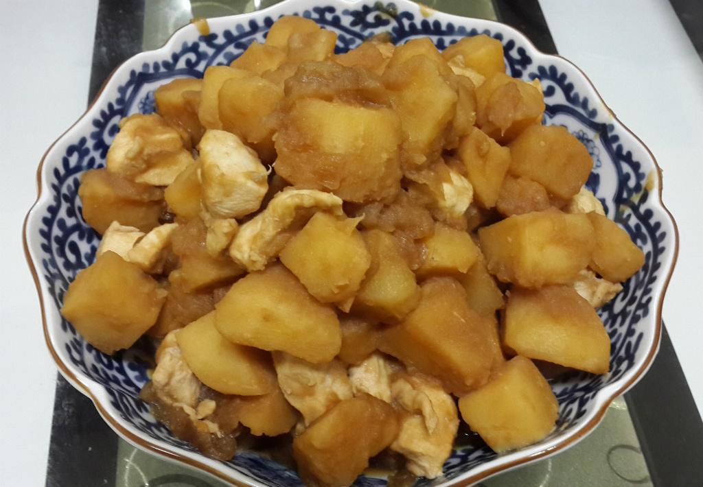 馬鈴薯燉雞肉