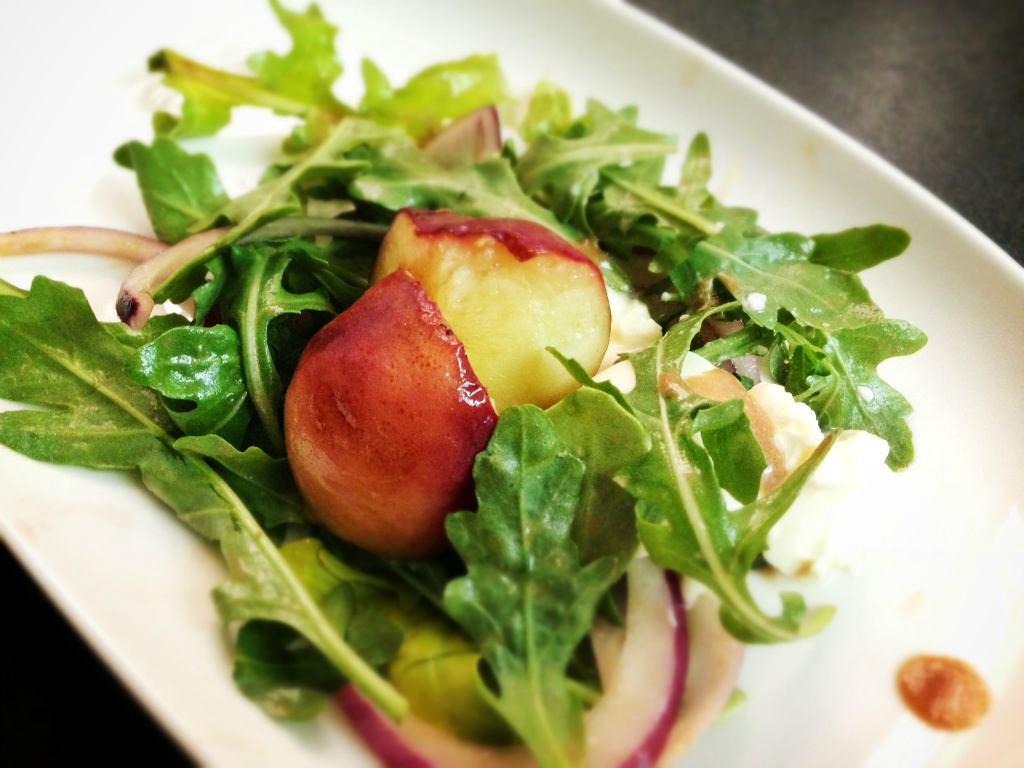烤桃子芝麻菜沙拉 Grilled Peach & Arugula Salad