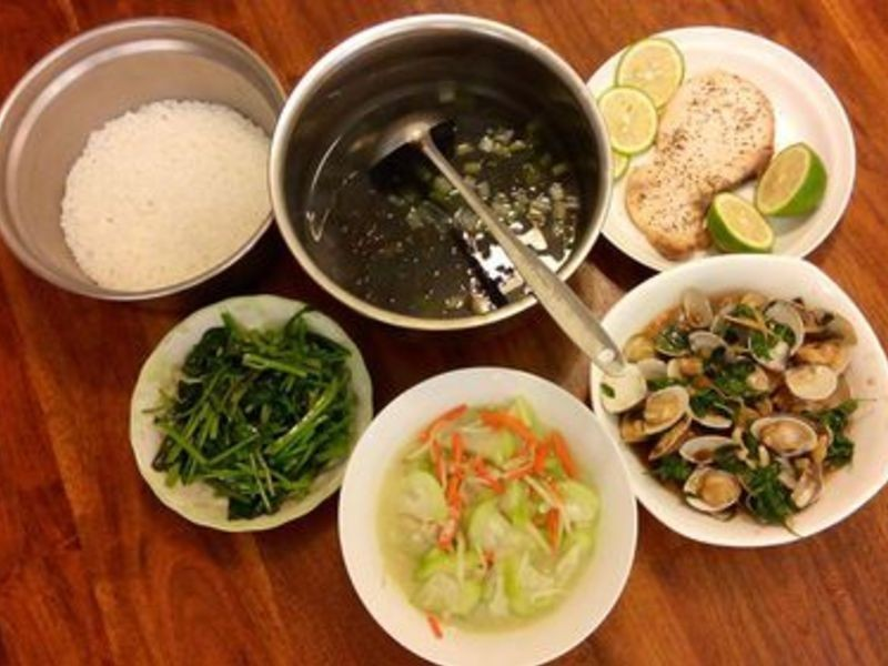 三杯蛤蜊、檸檬鯽魚、紫菜蚵仔湯....