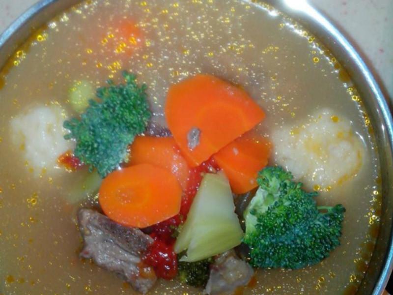 排骨蔬菜花枝丸湯