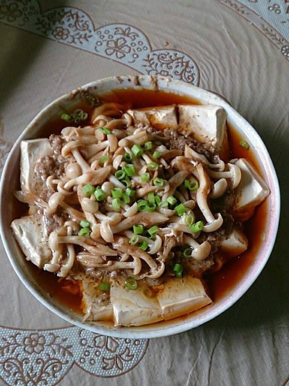 菇菇豆腐蒸肉