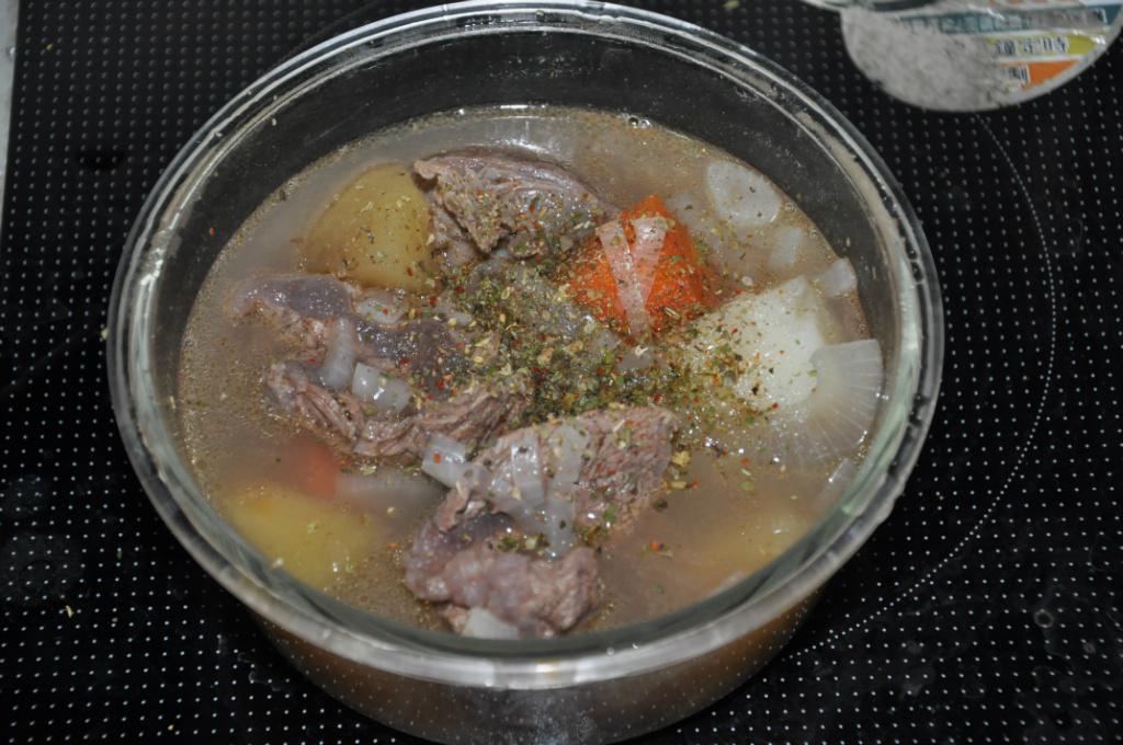 健康料理之 蔬菜牛肉湯~適合秋天的養生湯品