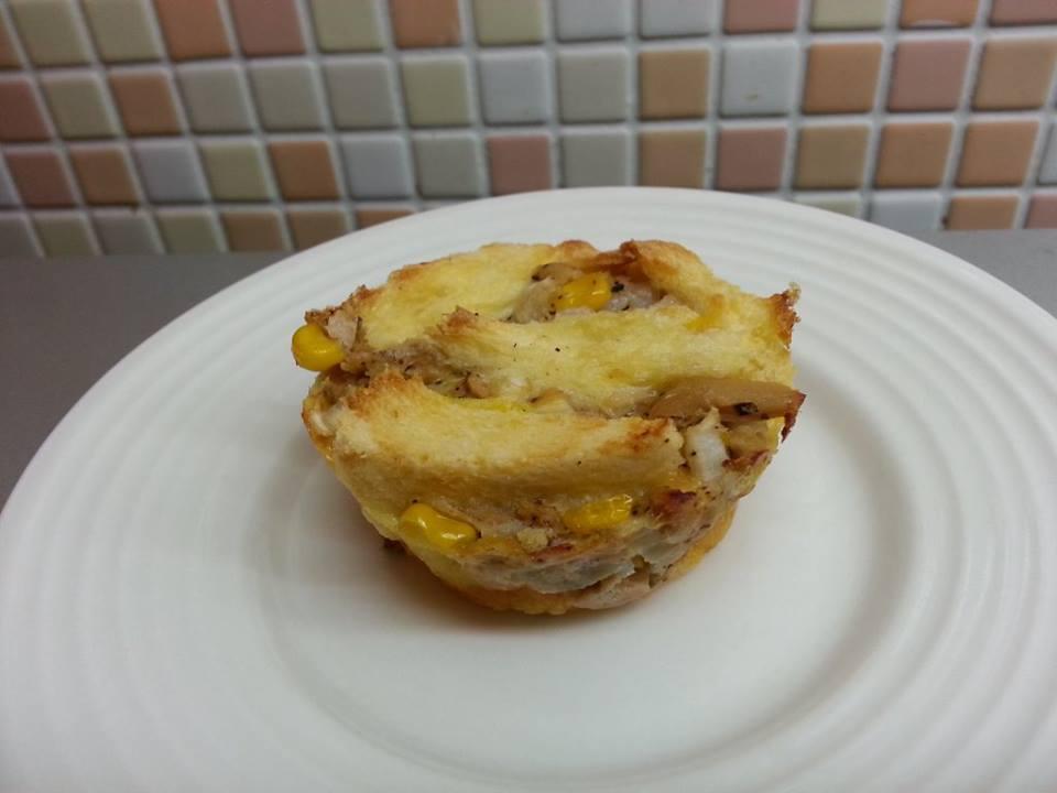 鹹烤吐司布丁-洋蔥鮪魚塔