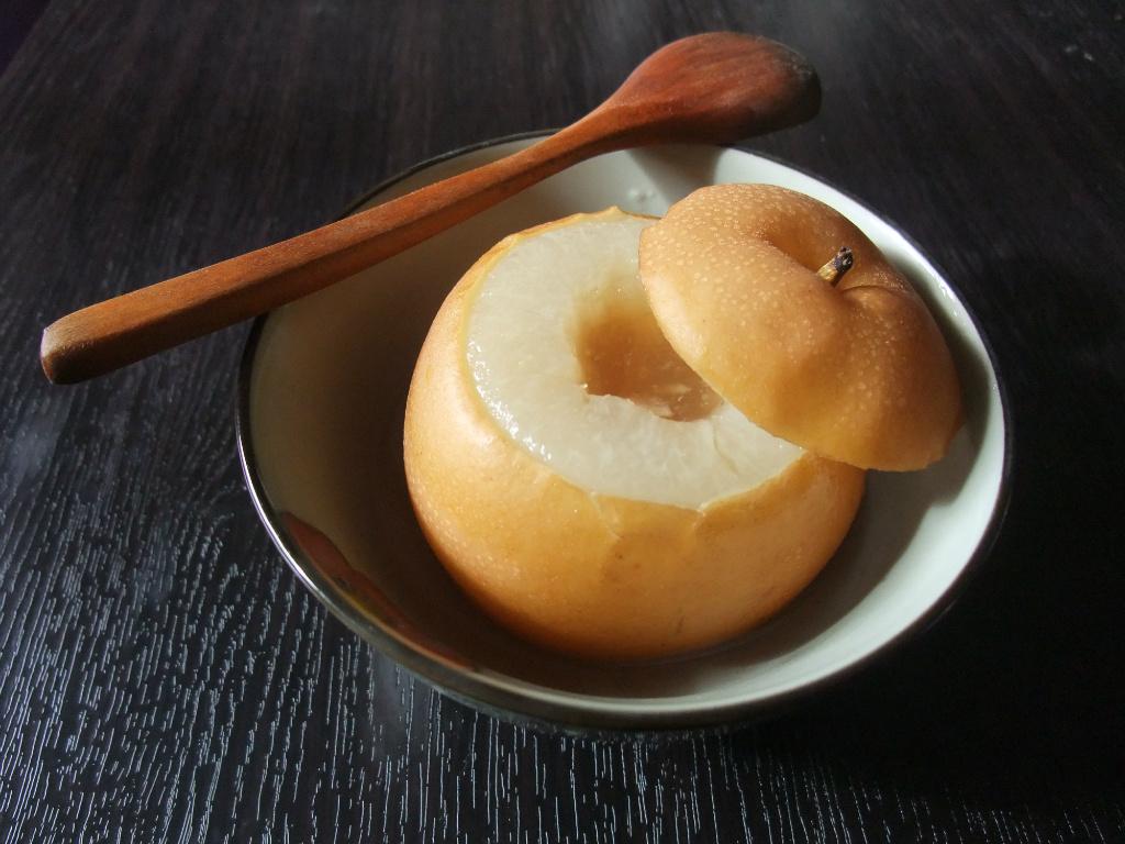 <感冒料理-潤喉蜂蜜梨子>