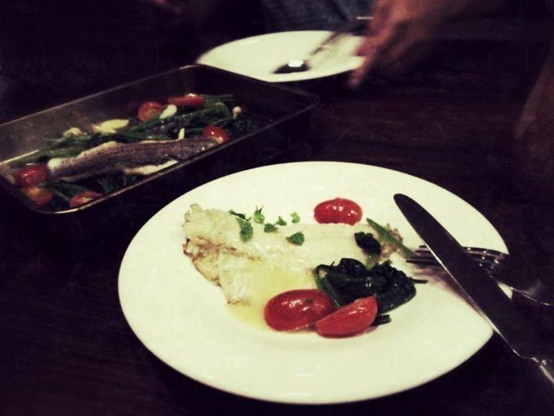 煎鱸魚與奶油波菜
