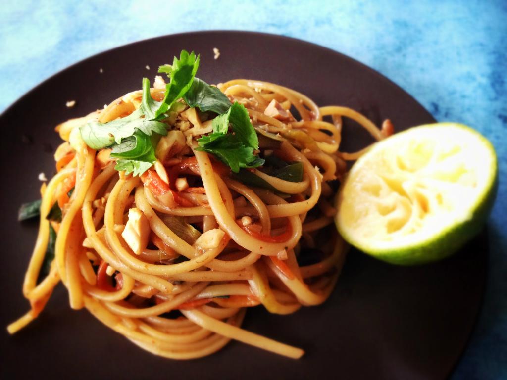 一鍋到底泰式酸辣義大利麵 One-pan Thai Style Pasta