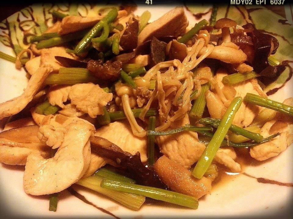 ♥ 時菇炒雞胸肉 ♥