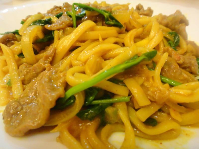 咖哩牛肉炒麵