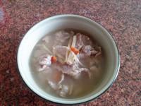 暖胃的秋季湯品─薑絲麻油肉片湯