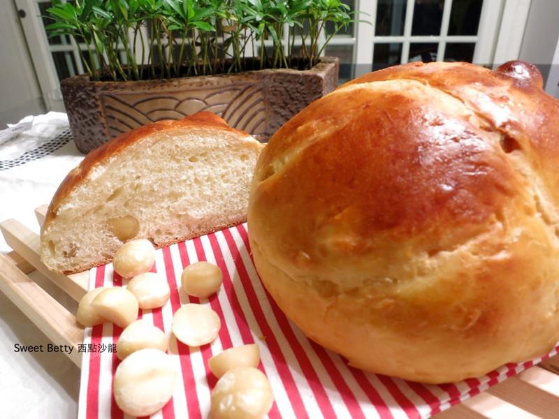 夏威夷豆鮮奶麵包
