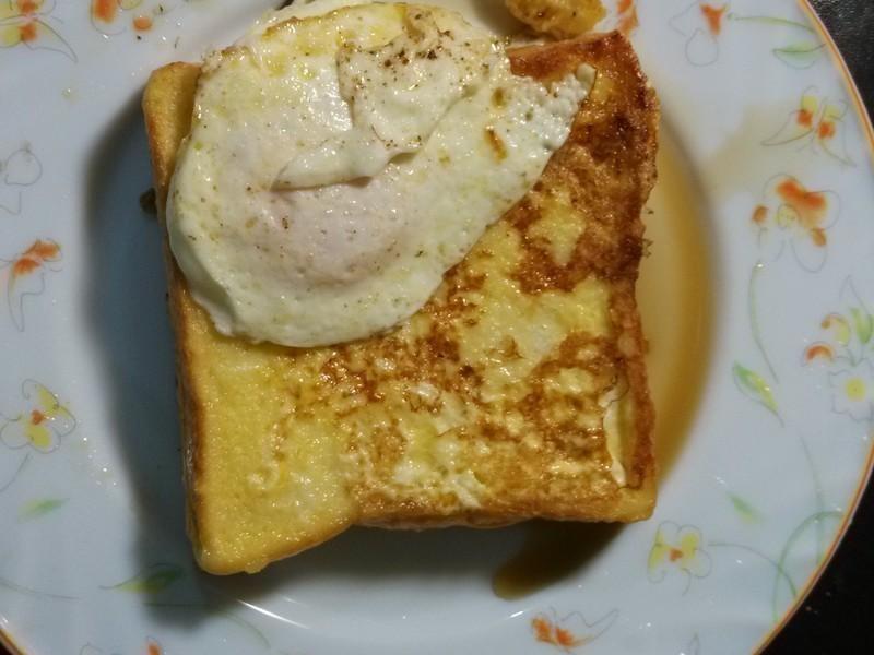楓糖法式吐司+荷包蛋