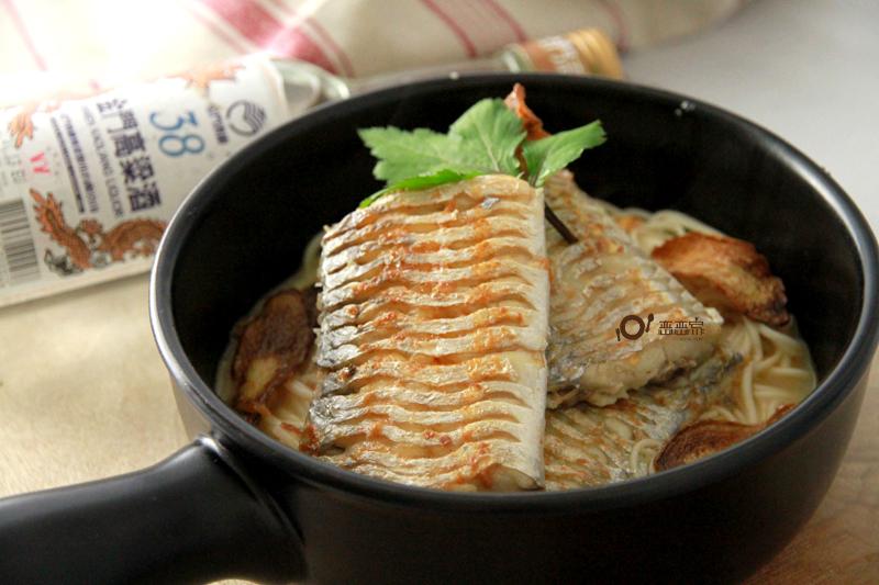 酒香麻油白帶魚麵線~金門高粱飄香料理