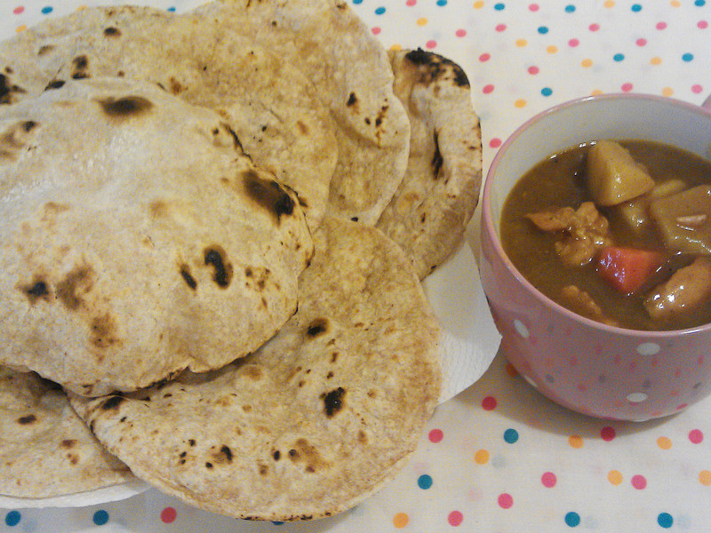印度麥餅(Chapati)佐雞肉咖哩