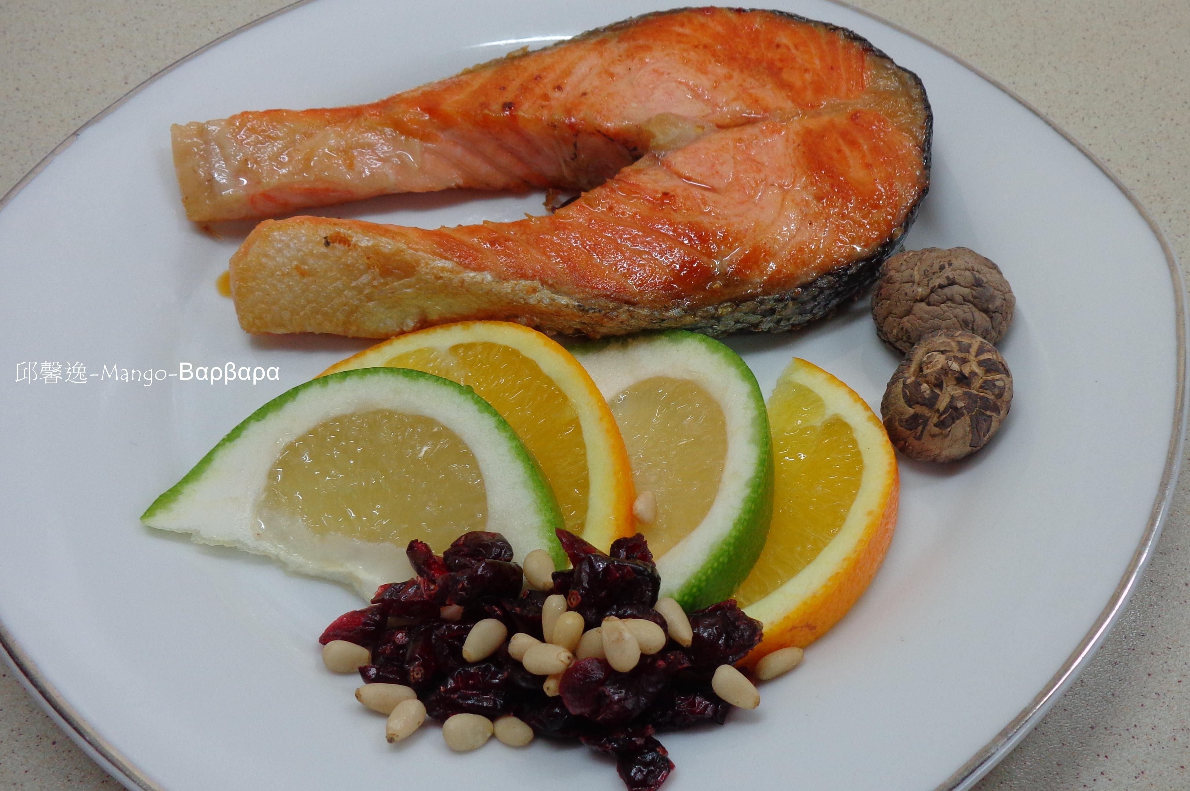 ούζο黃金鮭魚