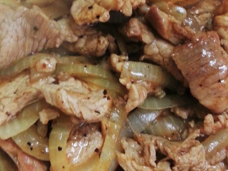 黑胡椒洋蔥豬肉