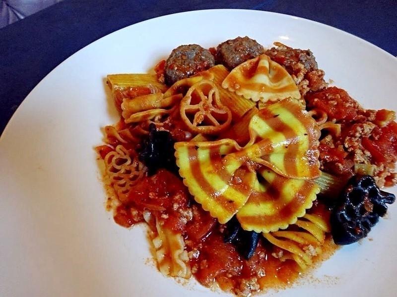 紅醬肉丸子花式義大利麵