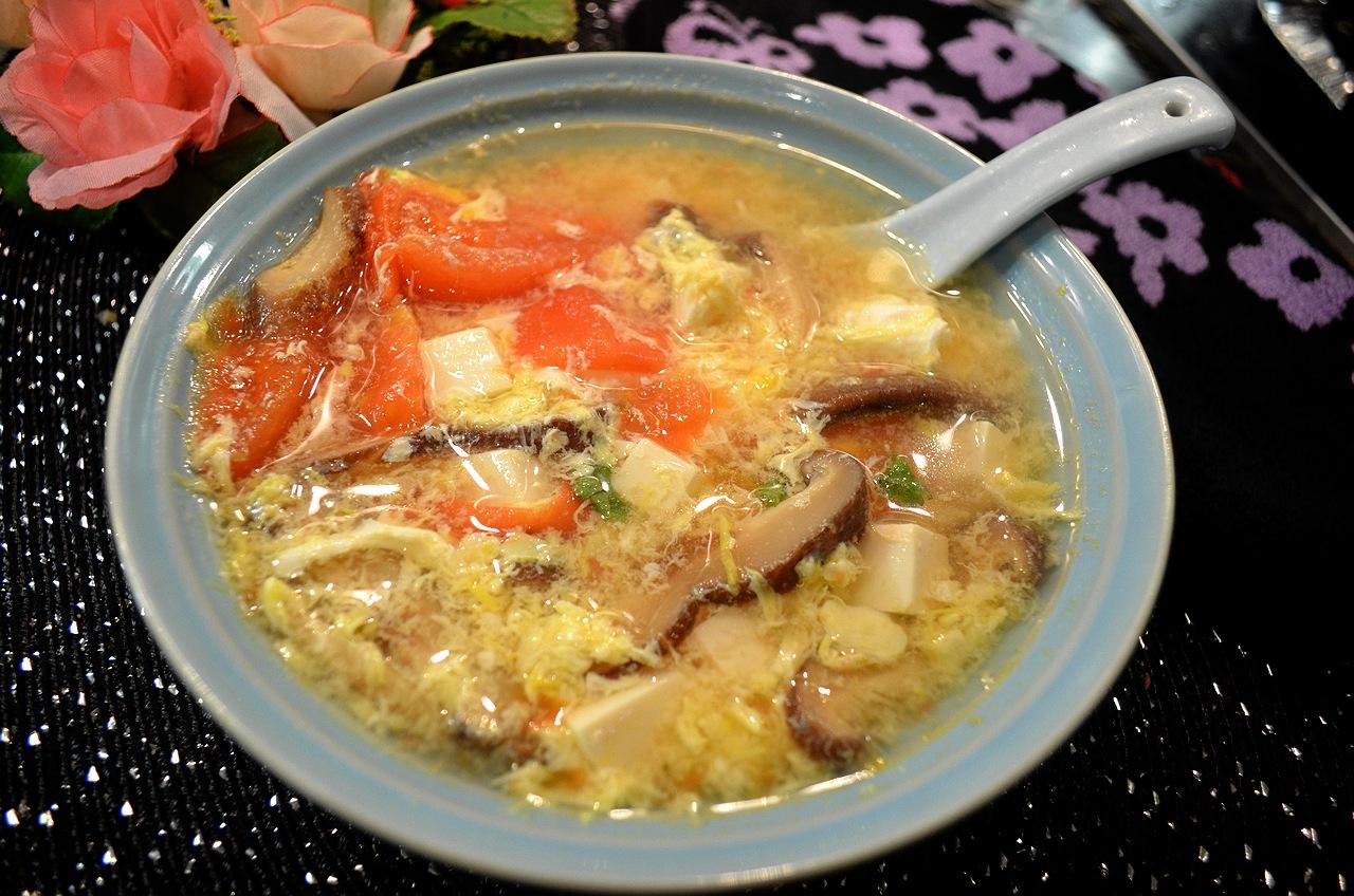 蕃茄豆腐香菇蛋花湯