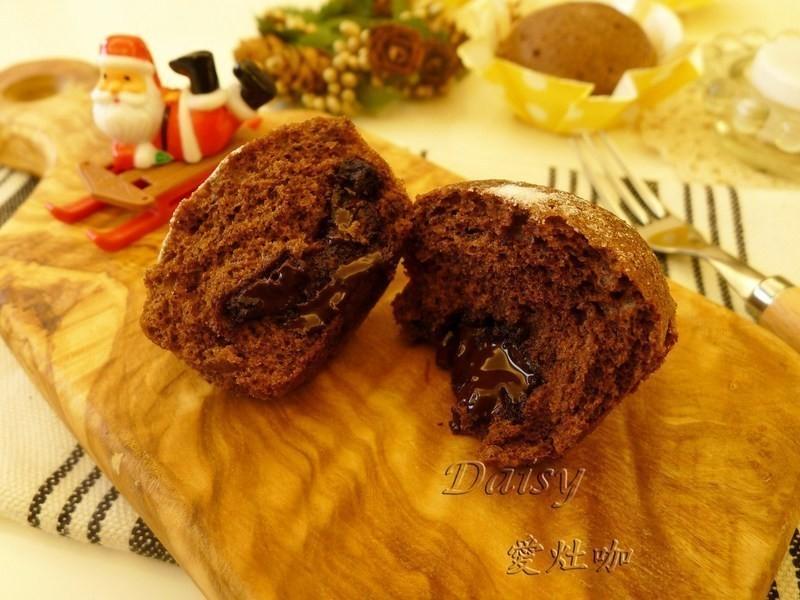 """用電鍋""""蒸""""出溶岩巧克力蛋糕"""