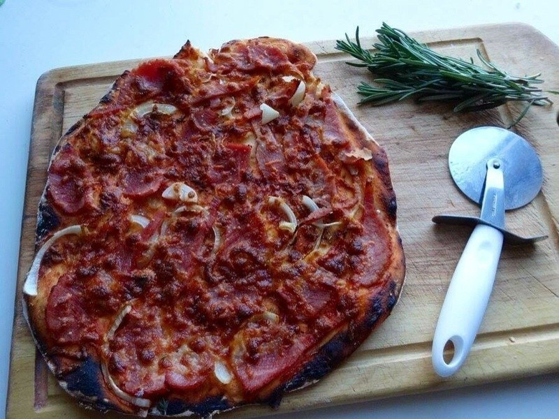 Home made Pizza 手作批薩