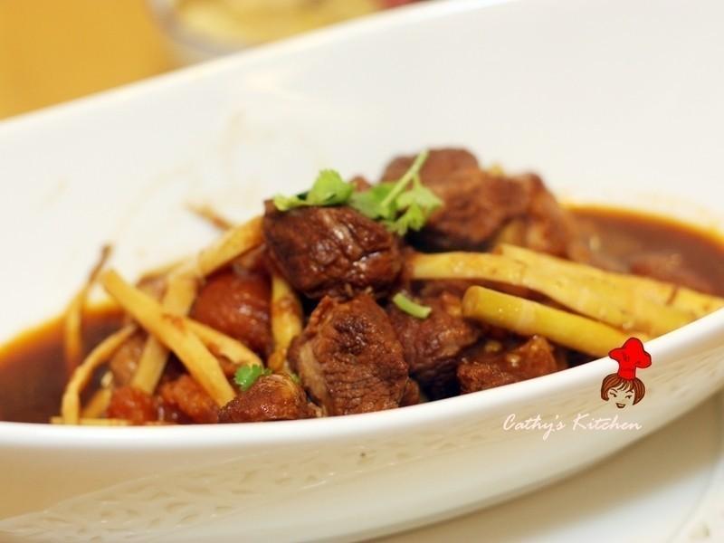 中西組合食材大勝 - 茄汁酸甜控肉 tomato braised pork