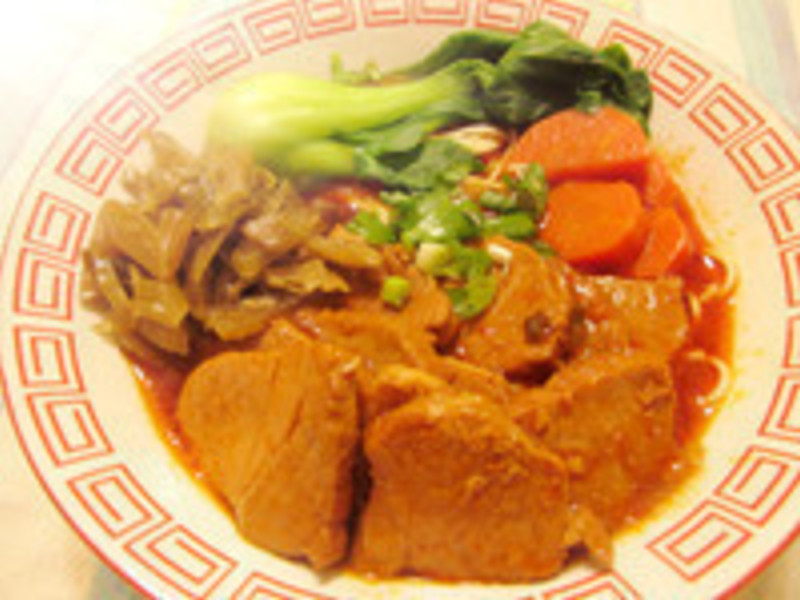 蕃茄紅燒豬肉麵