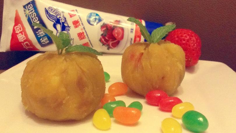 草莓地瓜茶巾絞-【草莓就愛鷹牌煉奶】