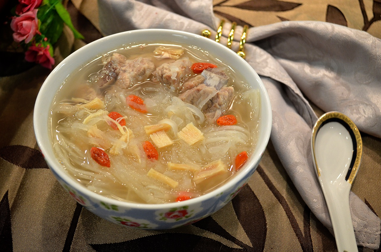 干貝杞子排骨蘿蔔絲湯
