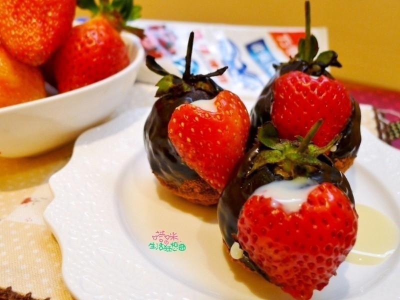 草莓巧克力球【草莓就愛鷹牌煉奶】