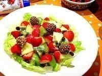 草莓水果沙拉〜草莓就愛鷹牌煉奶
