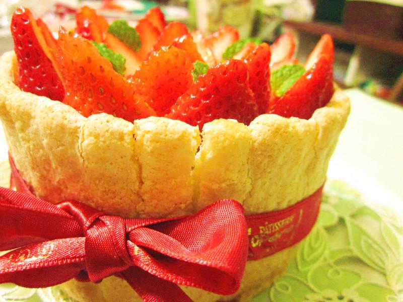 草莓皇冠蛋糕