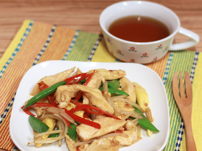 銀芽鮮蔬炒雞柳