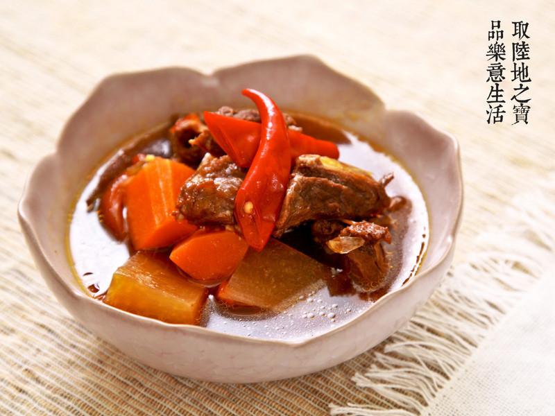 【陶鍋料理】蕃茄牛肋湯