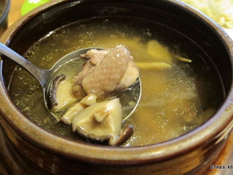 Erika's 陶鍋香菇雞湯