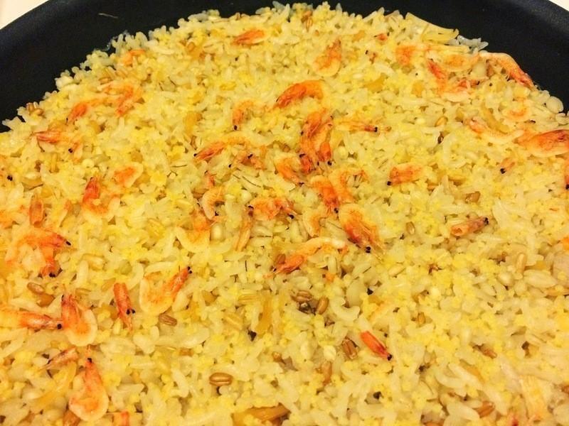 海味櫻花蝦干貝小米五穀飯