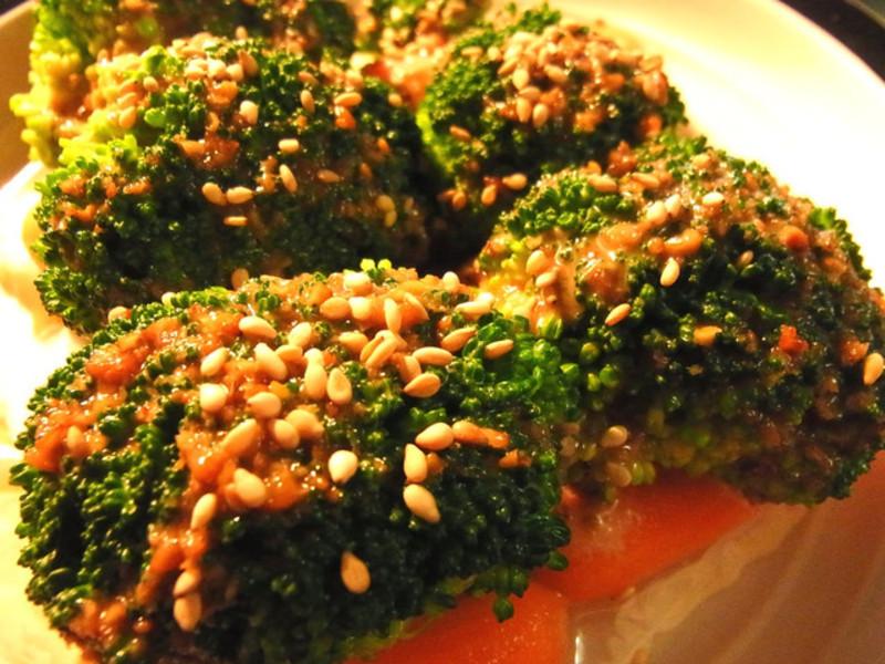 居酒屋日式芝麻醬花椰菜