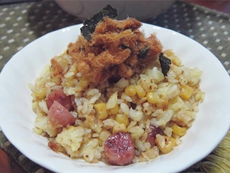 男朋友蛋炒飯(香腸玉米蛋炒飯)