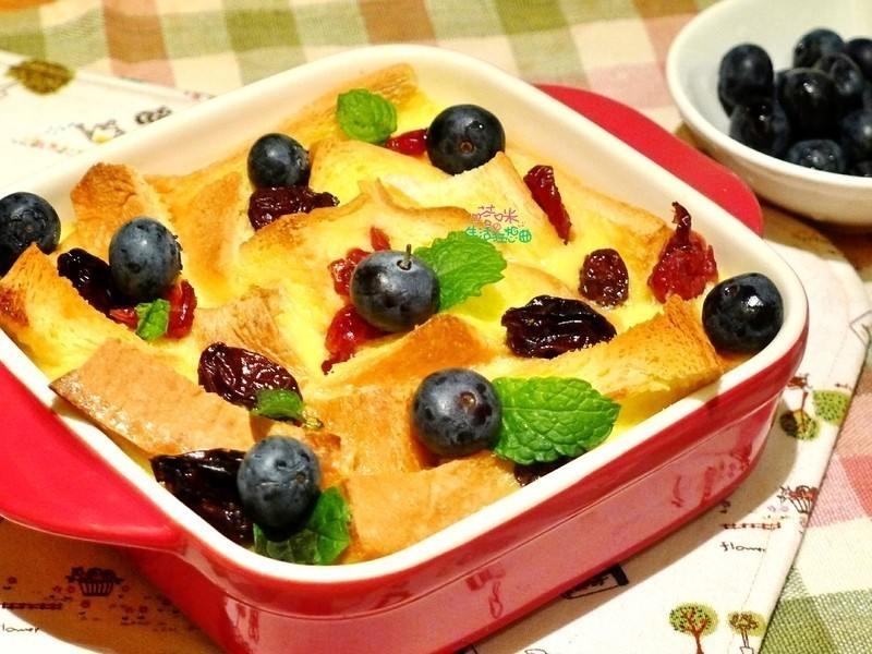 莓果麵包布丁