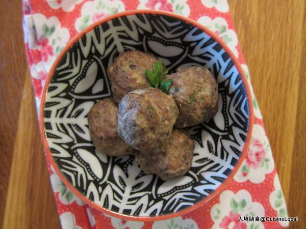老少咸宜的義式牛肉丸子 {Italian Meatballs}