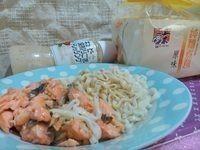 蒜香鮭魚拌麵 ♪ 五木拉麵