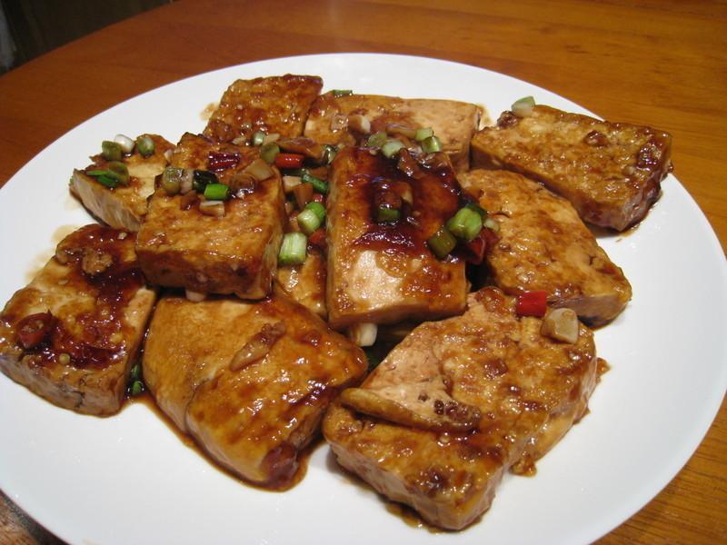 【粉豬兒】蒜辣煎豆腐