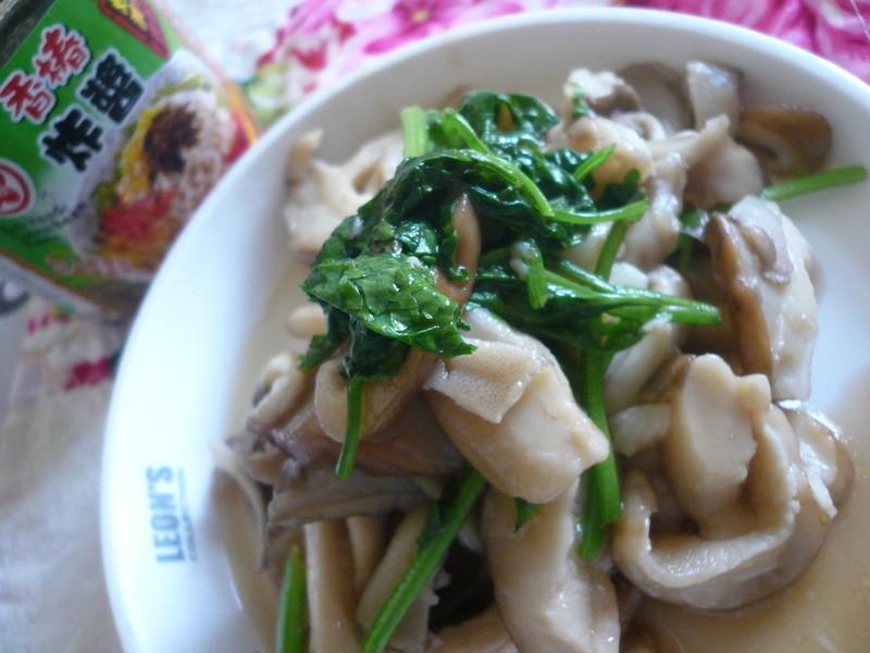 香椿雙菇好味道─牛頭牌端午好香拌