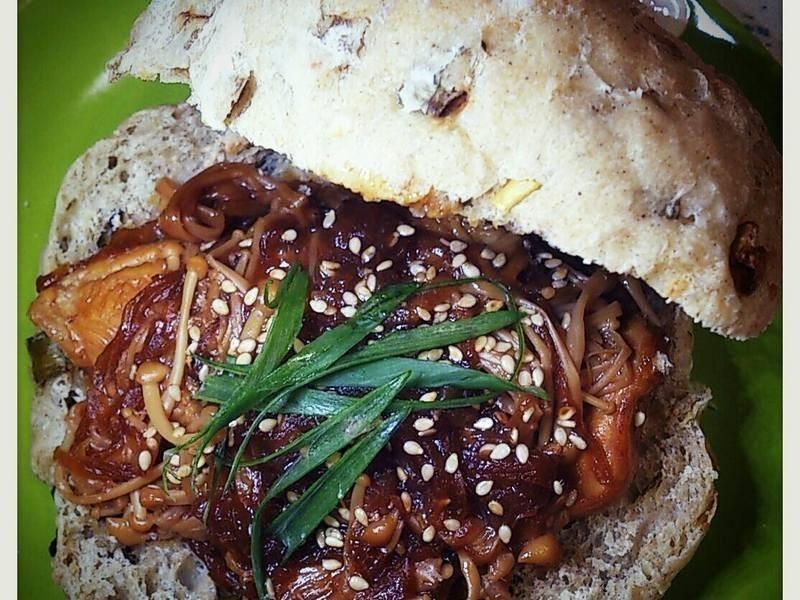 【桔香醬油】法式麵包夾桔香照燒菇菇雞