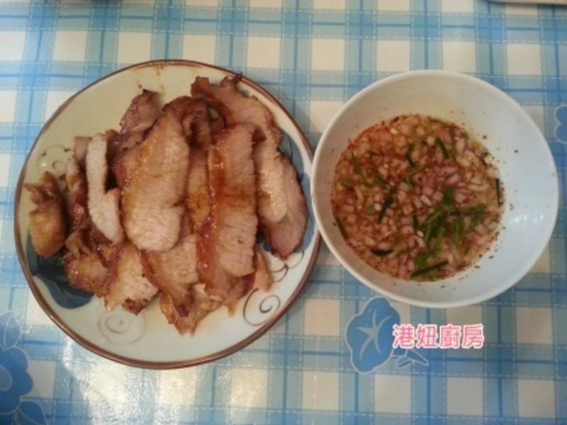[港妞廚房] 烤豬頸肉伴泰式酸辣汁