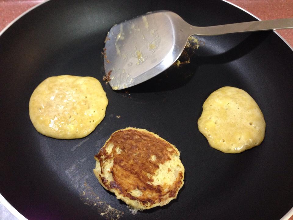超香甜❤一根香蕉一顆蛋❤超簡單鬆餅DIY