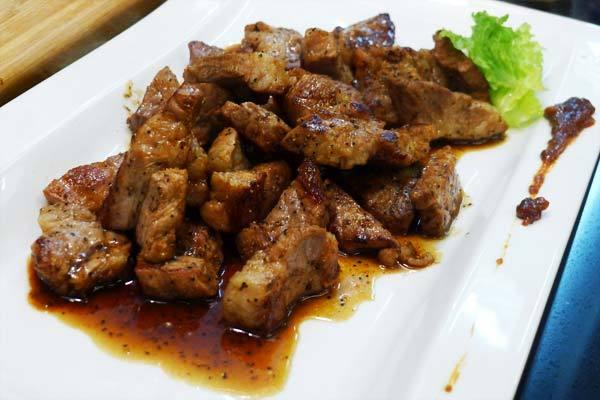 黑胡椒醬松坂豬(豆油伯缸底醬油食譜)