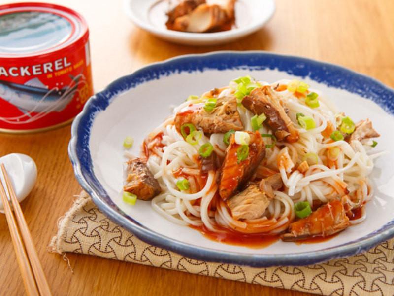 茄汁鯖魚乾拌麵