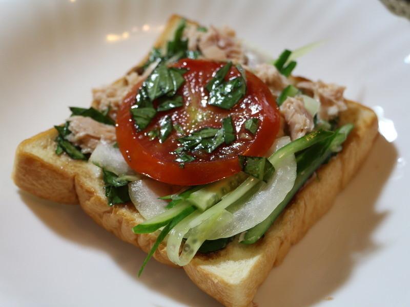 健康蔬食鮪魚三明治